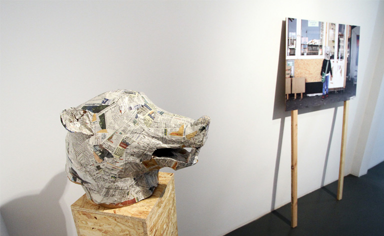 Kerstin Honeit – Pigs in Progress: Installation view
